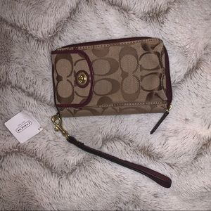 COACH Zip Wallet Wristlet/ PhoneCase